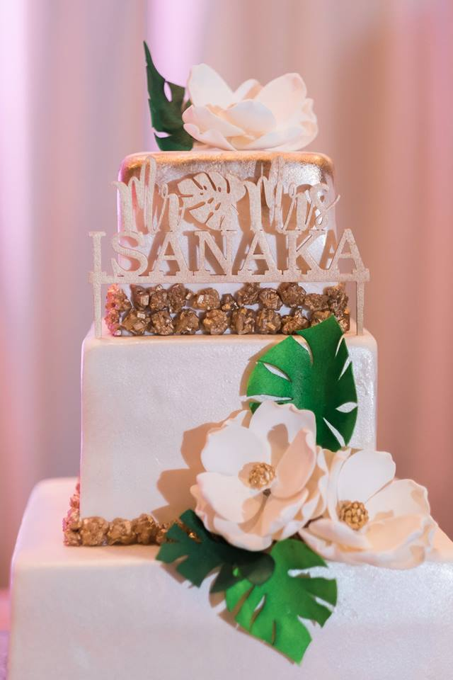 5 Ways to Make Your Wedding Cake All About You The Storybook